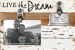 Live The Dream 12x8 Reclaimed Wood Clip Frame