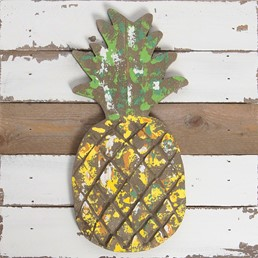 10X10 PINEAPPLE RECLAIMED WOOD SIGN